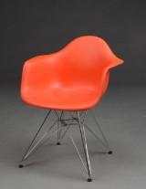Charles Eames. Stol model DAR