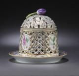 Royal Copenhagen/Kgl. P. 'Flora Danica'. Isklokke af porcelæn, nr. 3598 (2)