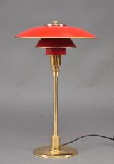 Poul Henningsen 1894 - 1967. PH 3/2 bordlampe, røde skærme