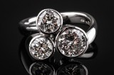 Diamond ring, 14 kt. white gold with three brilliant-cut diamonds, total approx. 3.00 ct.