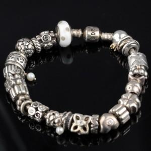 Pandora sølvarmbånd.