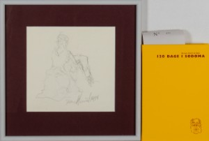 AFVENT - Frans Kannik, litografisk trykt særudgivelse samt signeret forlæg til indvendig vignet, 120 Dage i Sodoma af Marquis D.A.F. de Sade. cd. (2) - Dk, Herlev, Dynamovej - Litografisk særudgave af Marquis D.A.F. de Sades '120 Dage i Sodoma' samt originalt forlæg til vignet på s. 74, illustreret af Frans Kannik (1949-2011). Udgivet i 1998, bog ombundet i gult Viking Gummi, indvendigt sign. Frans Ka - Dk, Herlev, Dynamovej