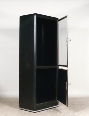 vitrinenschrank arztschrank der 50 60er jahre aus metall wohl mauser. Black Bedroom Furniture Sets. Home Design Ideas