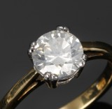 English solitaire ring, 18 kt. yellow and white gold with diamond - 1.50 ct
