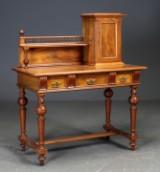 Skrivebord med opsats, nøddetræ, 18/1900-tallet