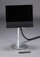Bang & Olufsen, BeoVision. 22'' fladskærms-tv samt beo4 fjernbetjening