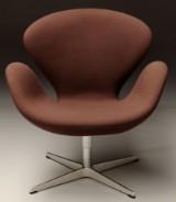 Arne Jacobsen. The Swan easy chair, model 3322, Brown Label