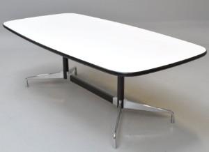 charles eames segmented table 39 boatshape 39 l 213 cm. Black Bedroom Furniture Sets. Home Design Ideas