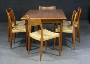 Niels O. Møller 6 Stühle. Dänischer Hersteller ein Ausziehtisch