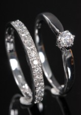 Pair of brilliant-cut diamond rings, 14 kt. rhodium-plated gold, 0.46 ct. (2)