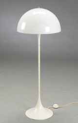 Verner Panton. Panthella standerlampe
