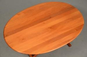 Andreas Hansen: Ovalt sofabord i massivt kirsebærtræ, Arrebo møbler ...