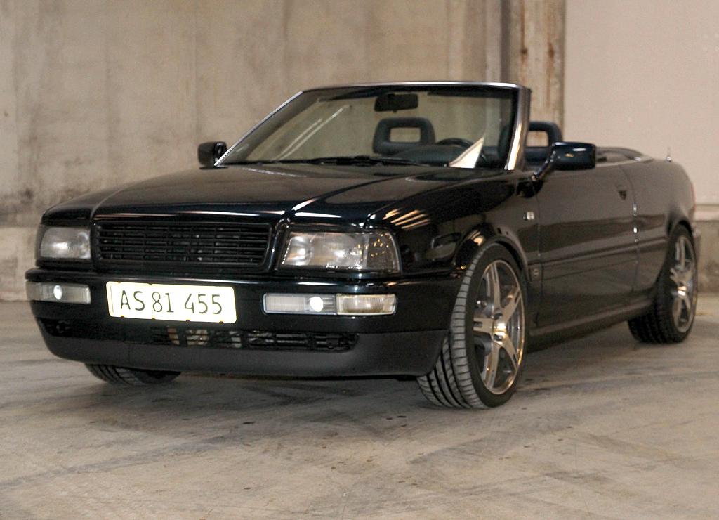 Audi 80 Cabriolet 1992 90ér ikon - Stelnummer: WAUZZZ8GZNA012588 Sidste syn 05-04-2016 Km 423.000 Med Dansk afgift Altid dansk bil Audi cabriolet, fremstår t med lidt patina, med matchende top.. Audi 80, 2,3 E Cabriolet, aut. 3-dørs, 1993, servostyring, blåmetal, nysynet, ABS,...