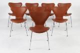 Arne Jacobsen. Sæt på otte stole 'syveren'  model 3107. (8)