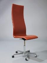 Arne Jacobsen. Oxford Bürostuhl mit hoher Lehne. Brown Label