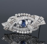 A French sapphire and diamond brooch, platinum. C 1930