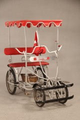 Tandemcykel / sofacykel med overdækning.
