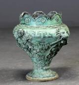Krukke af grønpatineret bronze