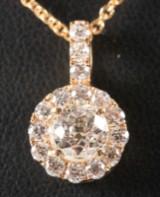 'Crown Of Light'. Diamant vedhæng & kæde af 14 og 18 kt guld, 0.91 ct (2)