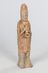 Stehende gewandete Figur mit Instrument. Ming-Stil, 20, Jh., China