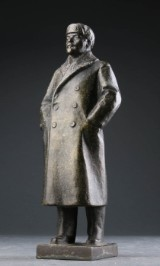 Figur af patineret metal forestillende Lenin