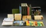 Danmark. Samling frimærker i flyttekasse