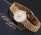 Chopard 'Classic'. Ladies watch, 18 kt. gold, with diamond bezel