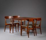 Dansk Møbelproducent. Spisebord samt fire stole af teak (5)