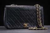 Chanel Vintage. Skuldertaske. Single flap small. Sort quiltet lammeskind.
