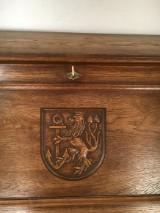 Klappsekretär mit Düsseldorf Wappen und 2 Regale (3)