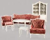 Esszimmer: Sofa, Sessel, Tisch und Vitrine (7)