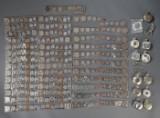 104 / Samling mønter og lommeure