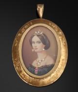 Vedhæng/broche af 18 kt. guld med miniature maleri portræt af ung kvinde