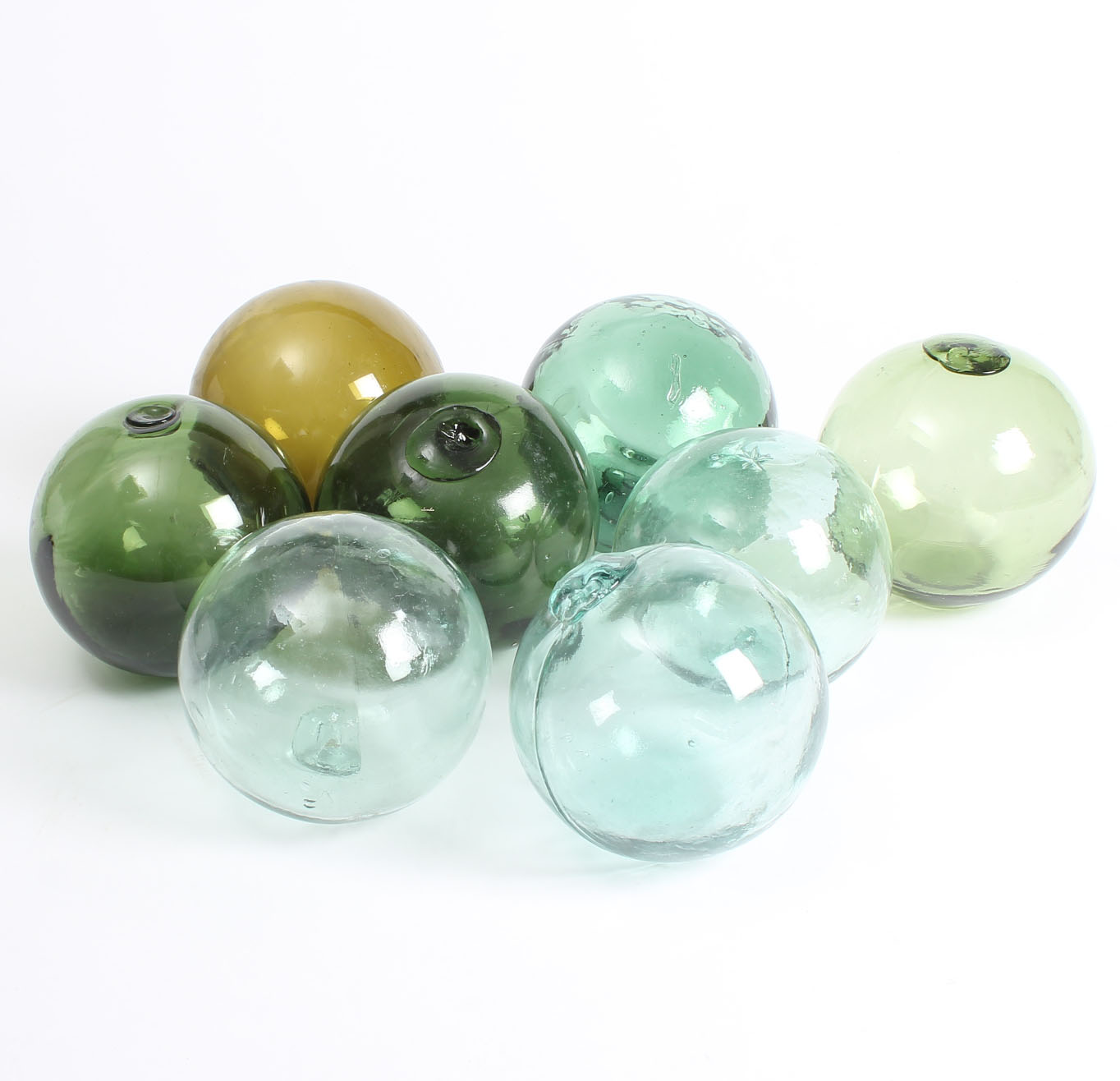 Glaskugler/fiskerkugler - Holmegaard/Kastrup m.fl. Glaskugler/fiskerkugler af farvet glas. Ø 12-13 cm