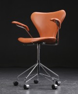 Arne Jacobsen. Office chair with armrests, model  3217, cognac leather