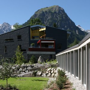 Vara 3921840 3 tage im sportlichen designhotel for Designhotel walliserhof