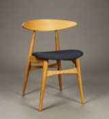 Hans J. Wegner for Carl Hansen & Søn. Stol model CH-33P, Eg, Steelcut Trio