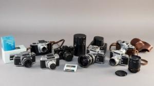 Samling Exakta kameraer (8) - Dk, Næstved, Gl. Holstedvej - Samling Exakta kameraer bestående af: Exakta Varex IIa, 2 x Exakta, exa-I, Exakta vx500, Exakta Twin TL, Exakta Travemat og Mirror objektiv mm. Fremstår med brugsspor. Lauritz.com indstår ikke for funktionaliteten. (8) - Dk, Næstved, Gl. Holstedvej