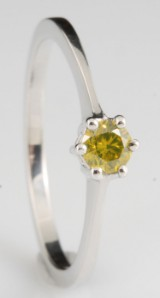 Diamond solitaire fancy colour ring approx. 0.22ct