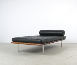 daybed barcelona liege design ludwig mies van der rohe. Black Bedroom Furniture Sets. Home Design Ideas