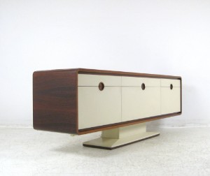 palisander sideboard bar mit elektrisch ausfahrbarem. Black Bedroom Furniture Sets. Home Design Ideas
