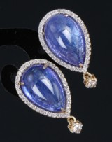 A pair of vintage sapphire and diamond earrings, 18 kt. gold, sapphires, total approx. 15.00 ct. (2)