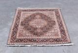 Persisk Moud tæppe. 101 x 149 cm.
