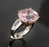 Ring, white gold and red gold with kunzite approx. 18.47 ct.