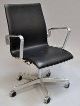 Arne Jacobsen. Oxford office chair, model 3291, Red Label, from 2007