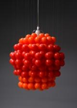 Verner Panton. Ball Lamp, pendel med røde kugler af plast