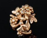 Ole Lynggaard, flower ring, 18 kt. gold, with diamonds, 0.13 ct.
