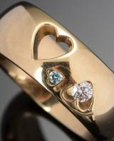 Ruben Svart. Heart ring with diamonds