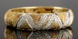 A diamond bangle, 18 kt, with diamonds, approx. 3.84 ct