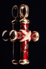 Leo Wittwer, crucifix pendant of 750 gold